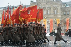 Создать мем: парад на красной площади, russian honor parade, 7 november 2010 парад 7 ноября, парад 7 ноября 2018