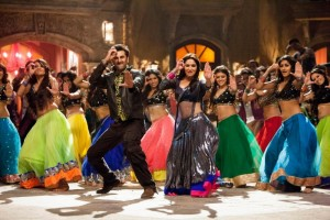 Create meme: Indian dance, dancing bollywood photos beautiful, bollywood in India shooting