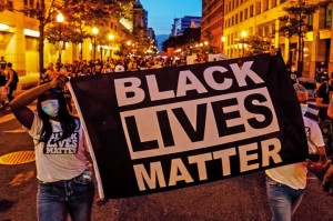 Создать мем: black lives matter рука, black lives matter sign, lives matter