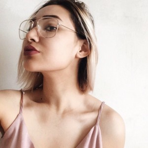 """Создать мем: перевесии product information details a pair of cat-eye sunglasses featuring a half-frame design with top plastic frames, high-polish metal rims and nose bridge, and tinted lenses. comes in a tortoiseshell option. content + care - made in china size + fit - height: 2"""" - width: 5.75"""", очки в черной оправе женские стильные, nsfw anon with sunglasses tumblr"""