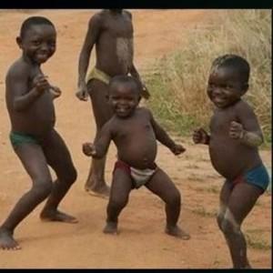 Создать мем: african kids, african children, африканские дети танцуют