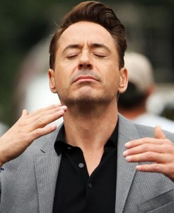 Создать мем: robert downey jr, мемы, запах